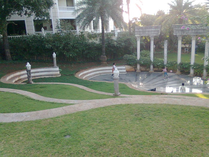 Bungalow For Sale In Madh Island